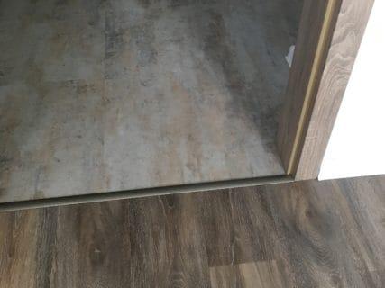 Vinylové podlahy šedé