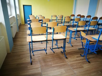 Školy